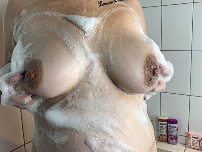 Video Thumbnail Einseifen unter der Dusche