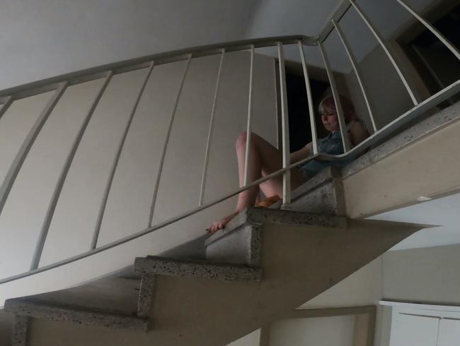 Video Thumbnail Spermaüberraschung im Hausflur