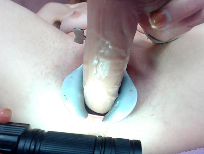 Video Thumbnail Ich ficke meine Pussy durch das große mit dem Spekulum gemachten Loch