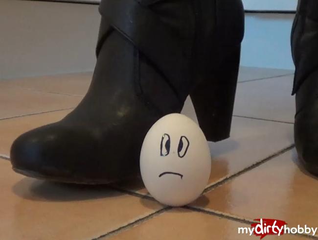 Video Thumbnail Crushing: 2 Eier werden zerquetscht (Userwunsch)